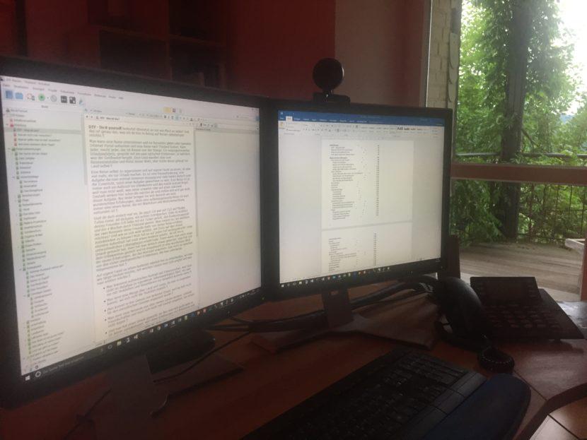 Buchschreiben im Büro